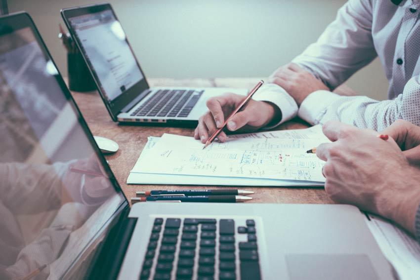 Fazendo contato com um Consultor Especialista em Marketing Digital